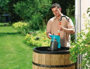 Насос для бочки подойдет, если вы используете воду из резервуара для сбора дождевой воды.