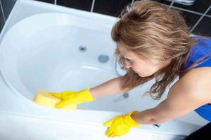 Рекомендации специалистов как и чем эффективно отбелить ванну