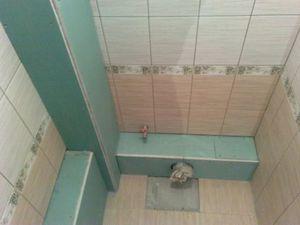 Как спрятать трубы в ванной под плитку