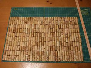 Способ изготовления коврика в ванную своими руками из винных пробок