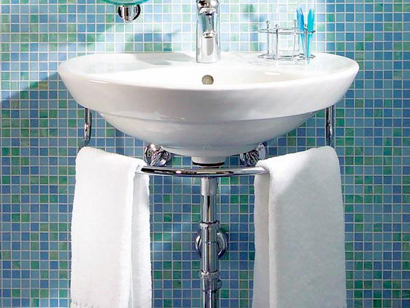 Дизайн ванной с раковиной тюльпаном