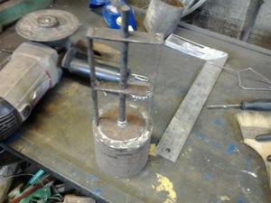 Примерка клапана - установка желонки на участке.