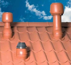 Трубы вентиляции на крыше - разные вентиляционные системы имеют разные трубы.