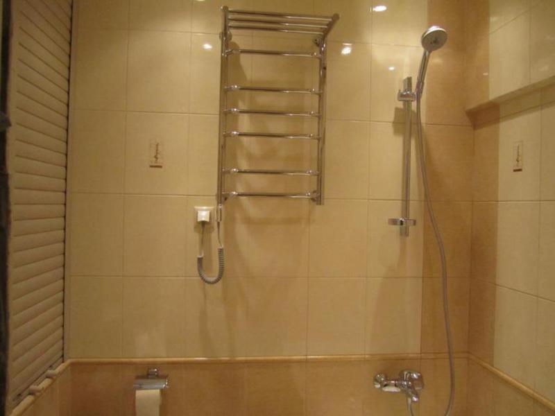 Дизайн полотенцесушителя в ванной